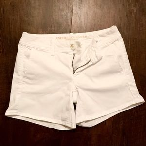American Eagle Outfitters White Midi Shorts Size 2